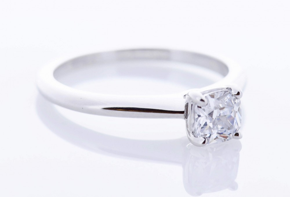 Classic Platinum Setting (Cushion)