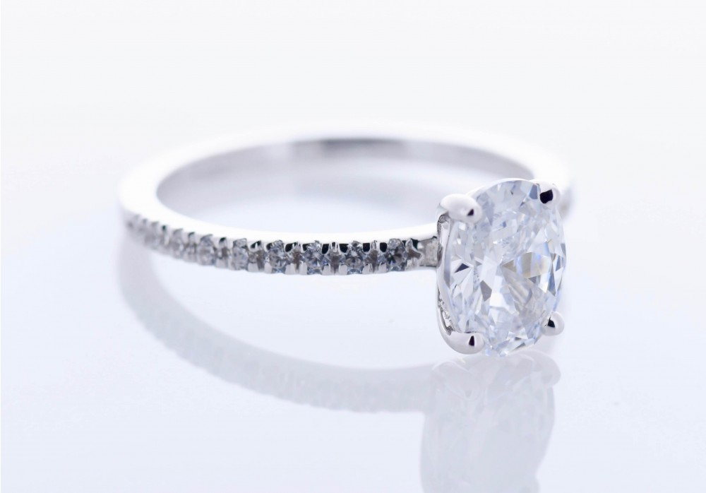 Pavé Platinum Setting (Oval)