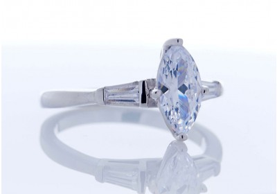 The Paris Diamond Platinum Setting (Marquise)