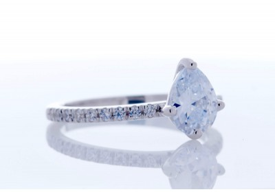 Pavé Platinum Setting (Pear)